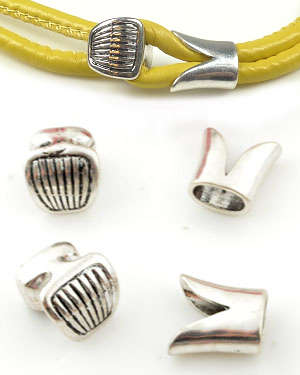 Code: D12400    --- Fermoir metal 16x15mm. 2parties. Argent Vx.---